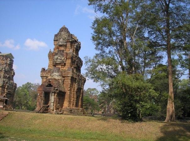 Bayon-temple-angkor-thom
