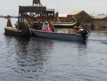 Uros-puno-boat