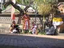 Bali-barong-dancers