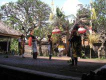 Bali-condong-dance